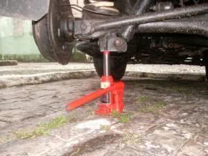 Alguns macacos hidráulicos são mais indicados para carros, saiba quais. (Foto: Divulgação)